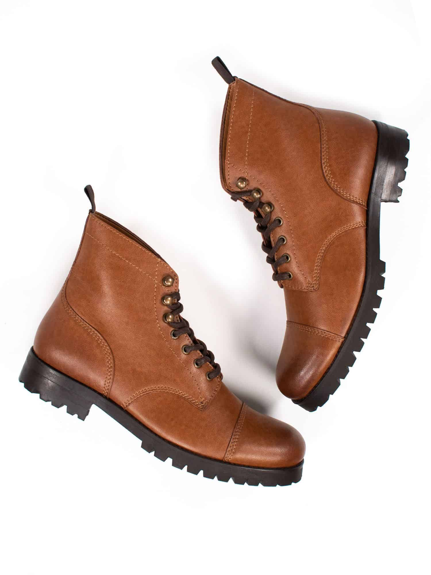will's vegan work boots with a rubber sole